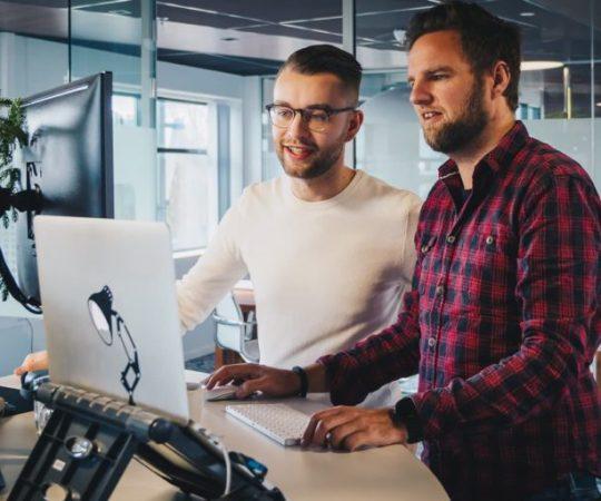 Werkplekinrichting – Handige apparaten en accessoires voor je (thuis)kantoor of universele werkplek