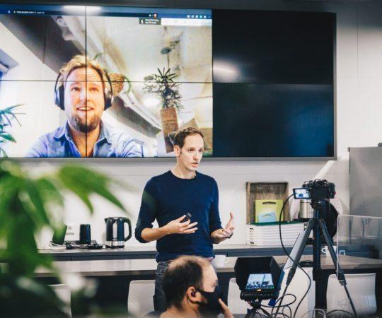 3 belangrijke zaken die we leerden van de oprichter van WordPress over succesvol gedistribueerd werken